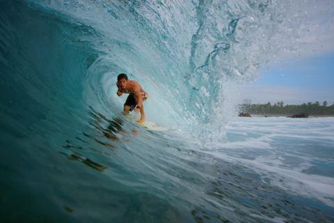 Diego Salgado Surfing (c) Anja Knorr