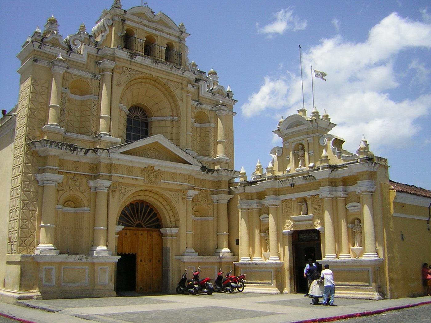 Antigua Guatemala Kolonialkirche (c) Anja Knorr
