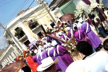 Honduras-Straßenumzug-c-Anja-Knorr